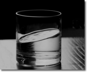 Inception Glass of Water | Something unusual is going on here