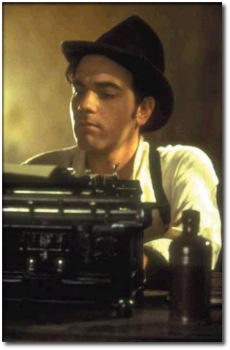 Ewan McGregor as Christain the writer in Moulin Rouge!